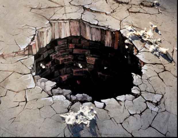 craterul_ingerilor__prima_lucrare_3d_realizata_pe_asfalt_din_romania__adfel_2011_axe_excite1_83472400